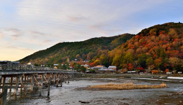 嵐山紅葉渡月橋