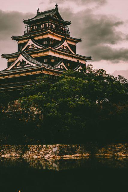 広島城夕暮れ