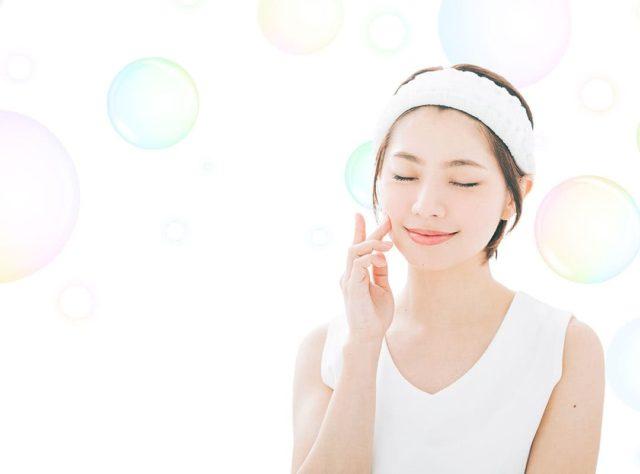 洗顔後女性